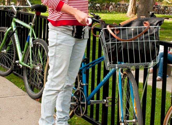 Where's Waldo – McGill University, Street Style | StreetScout.Me