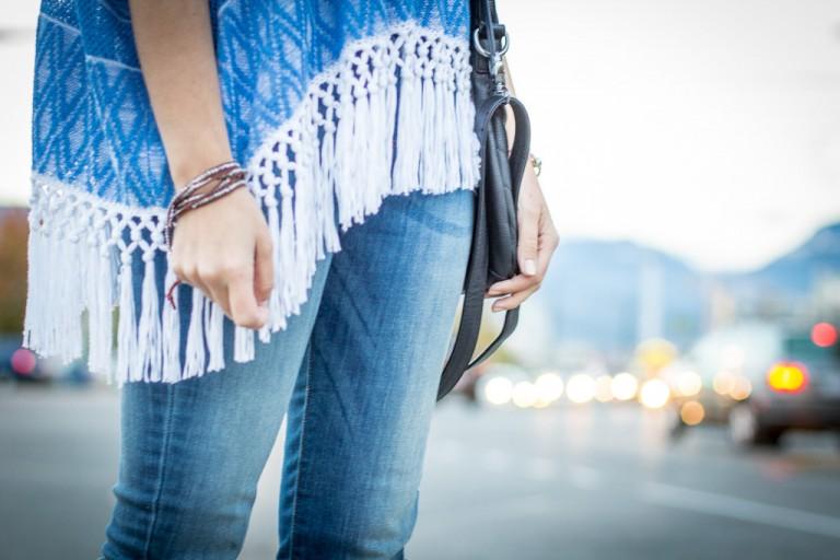 Phoebe Sweater Poncho, Club Monaco Street Style