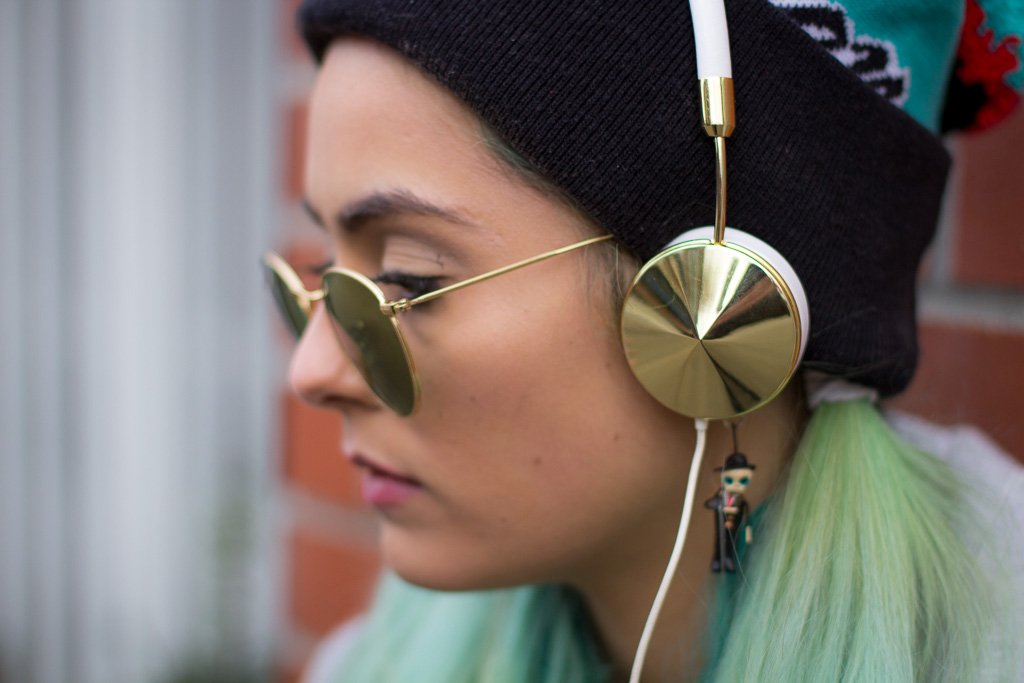 Experience Headphones ushers in style savvy music lovers