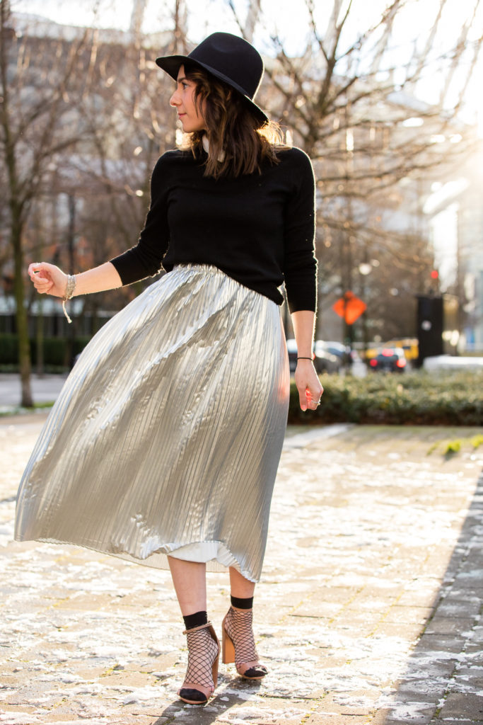 metallic-skirt-vancouver-style-blogger-37